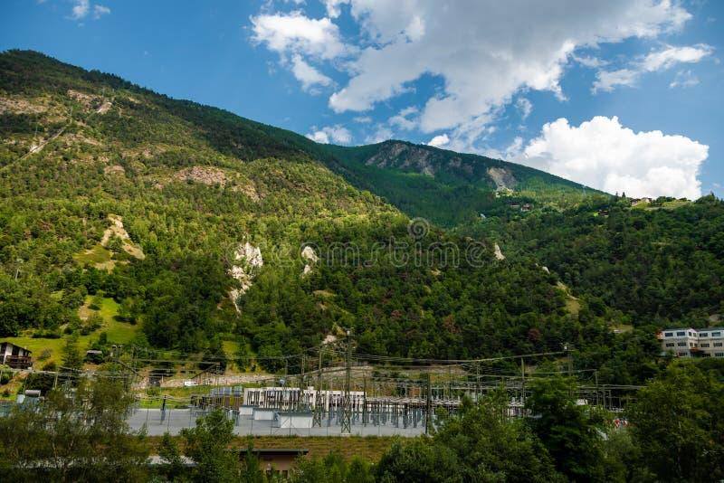 Stor sikt av den alpina kullen beautiful mountain scenery Pittoresk och ursnygg plats switzerland arkivbilder