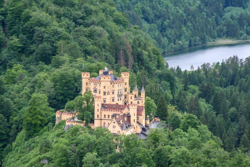 Stor sikt av en slott i bavaria fotografering för bildbyråer