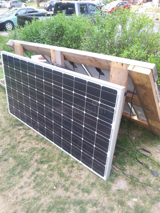 Stor sol- panel arkivbild