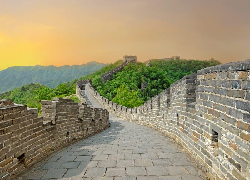 Stor vägg under solnedgång royaltyfri bild
