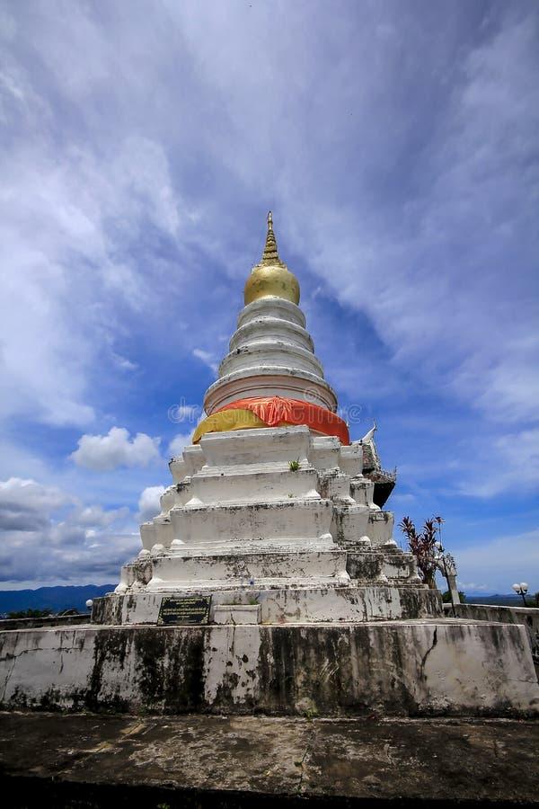 Stor vit pagod på berget arkivfoto