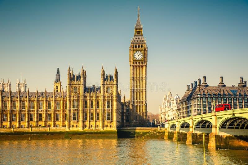 Stora Ben och hus av parlamentet, London royaltyfria bilder