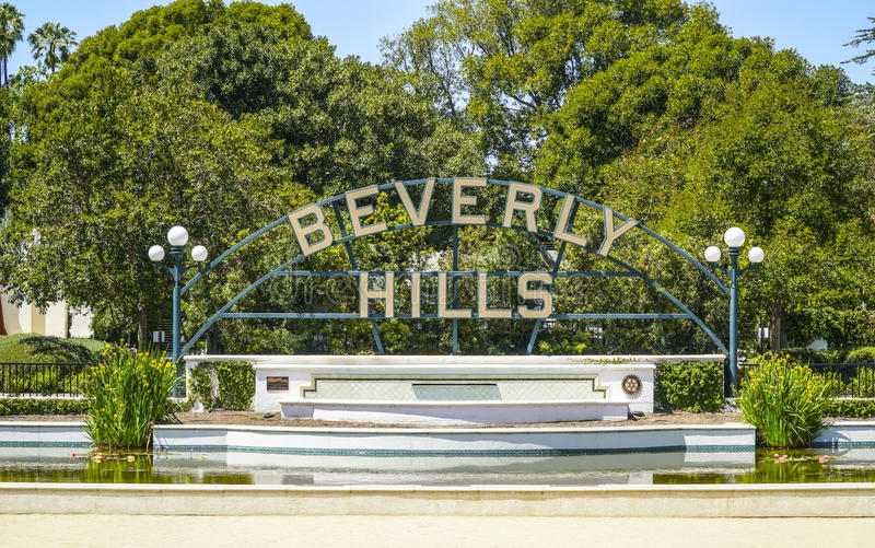 Stora Beverly Hills undertecknar in Los Angeles - LOS ANGELES - KALIFORNIEN - APRIL 20, 2017 arkivbild