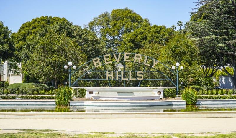 Stora Beverly Hills undertecknar in Los Angeles - LOS ANGELES - KALIFORNIEN - APRIL 20, 2017 arkivbilder