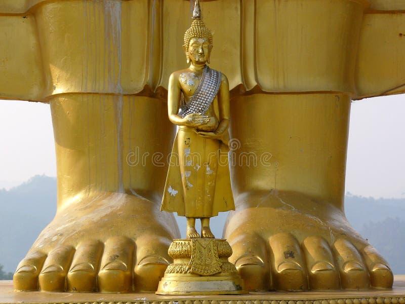 Download Stora buddha little arkivfoto. Bild av guld, plattform - 247868