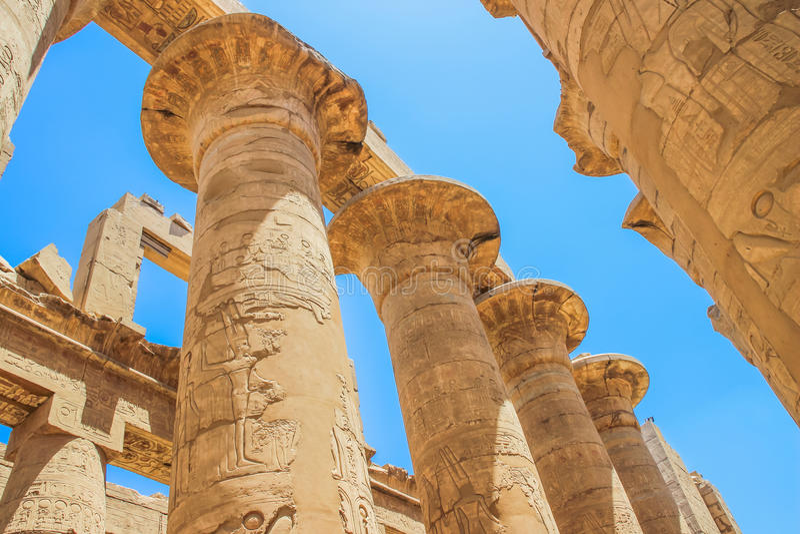 Stora Hypostyle Hall och oklarheter på tempelen av Karnak (forntida Thebes) egypt luxor royaltyfria foton
