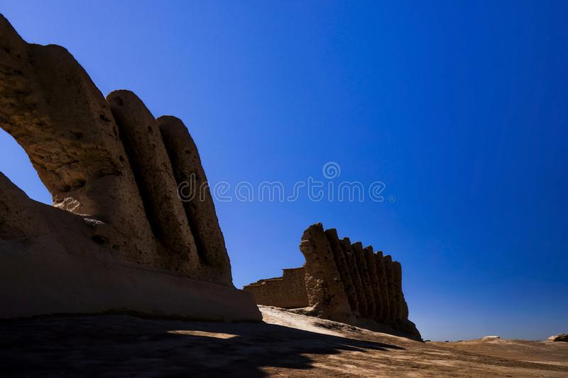 Stora Kyz Qala eller Kiz Kala Maidenâ €™s rockerar, Mary Province, Turkmenistan arkivbilder