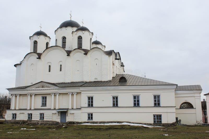 Stora Nicholas Cathedral Yaroslav Court royaltyfri bild