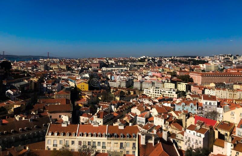 Stora sikter uppifrån av Lissabon royaltyfri bild
