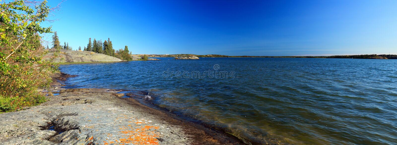 Stora slav- Lake från Tililo Tili punkt, Yellowknife, Northwest Territories, Kanada arkivbilder