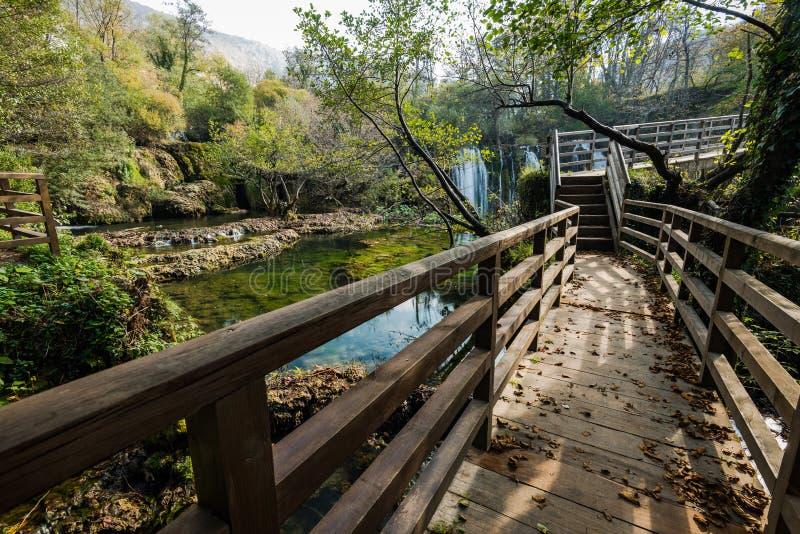 Stora Una vattenfall i MArtin Brod, Bosnien och Hercegovina arkivbild