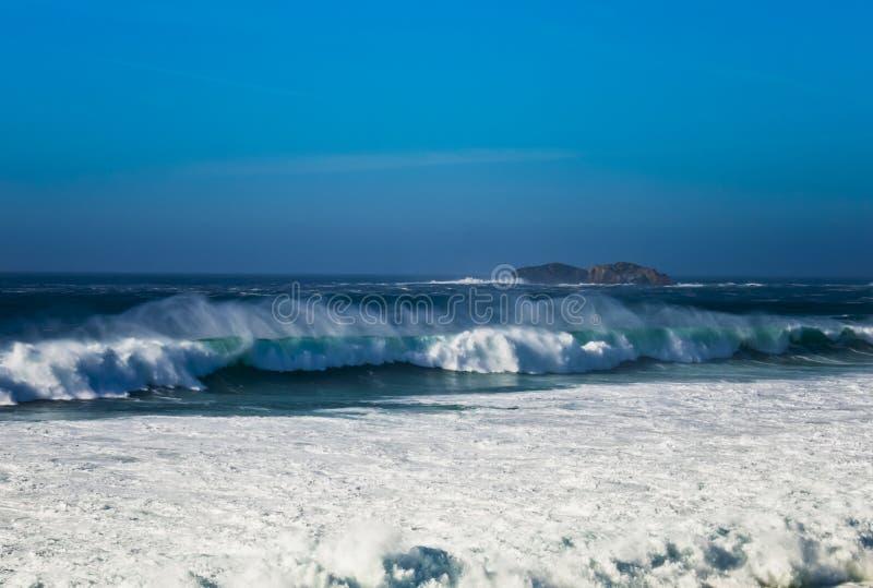 Stora vågor fotografering för bildbyråer