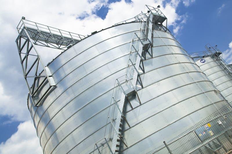 Download Storageplace del grano fotografia stock. Immagine di agricoltura - 30826154