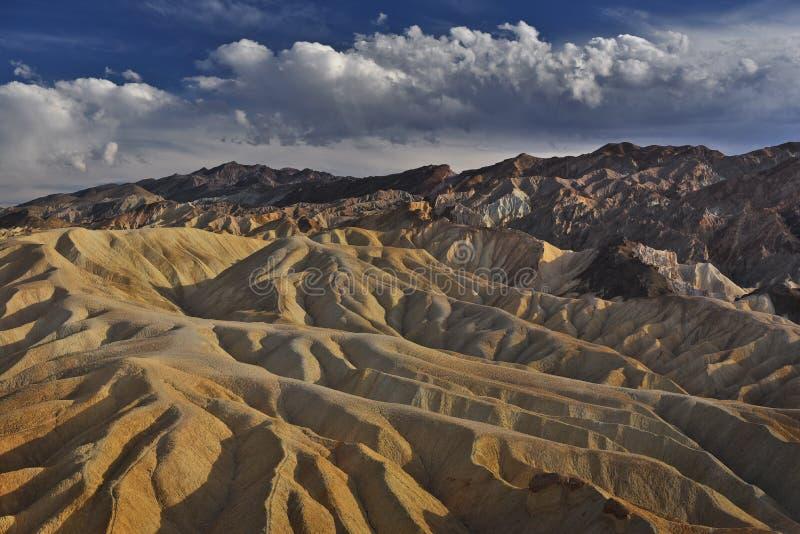 Storartad himmel av Death Valley arkivfoton