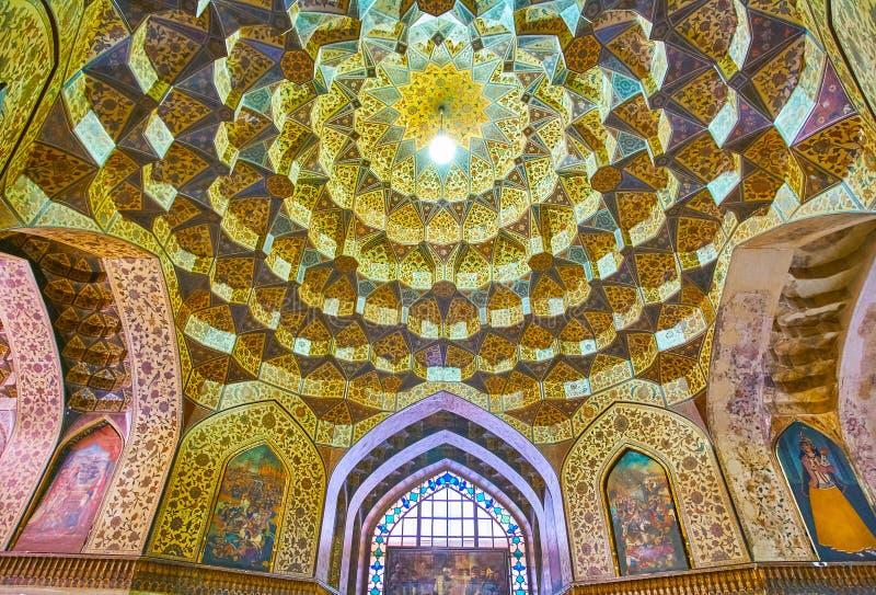 Storartad inre av medeltalar museum, Shiraz, Iran royaltyfria bilder