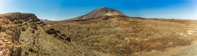 Storartad panoramautsikt från höjden på kanten av bergskedjan runt om vulkan Teide Chiang Mai Tenerife royaltyfri foto