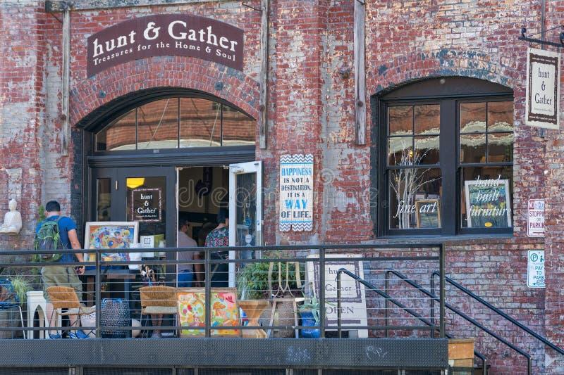 Storefront στο παλαιό κτήριο αποθηκών εμπορευμάτων στο Πόρτλαντ, Όρεγκον στοκ φωτογραφίες