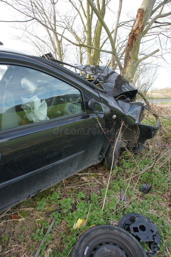 storen för krasch för bilbilsammanstötning har huvudvägen iced hastighet royaltyfri foto