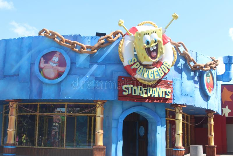 Storepants van spongebob in het themapark royalty-vrije stock afbeelding