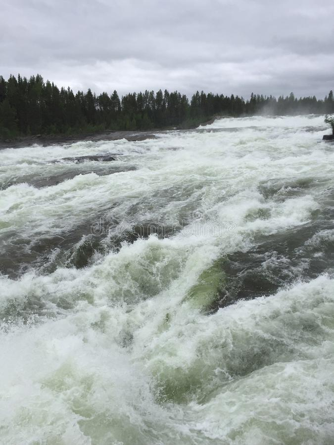 Storforsen vattenfall royaltyfri fotografi