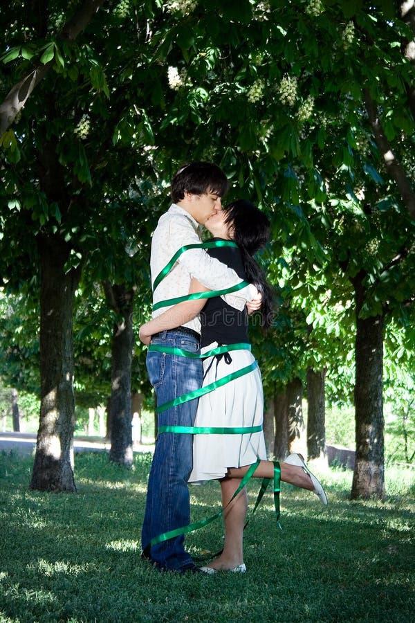 Storia di amore nella sosta fotografia stock libera da diritti