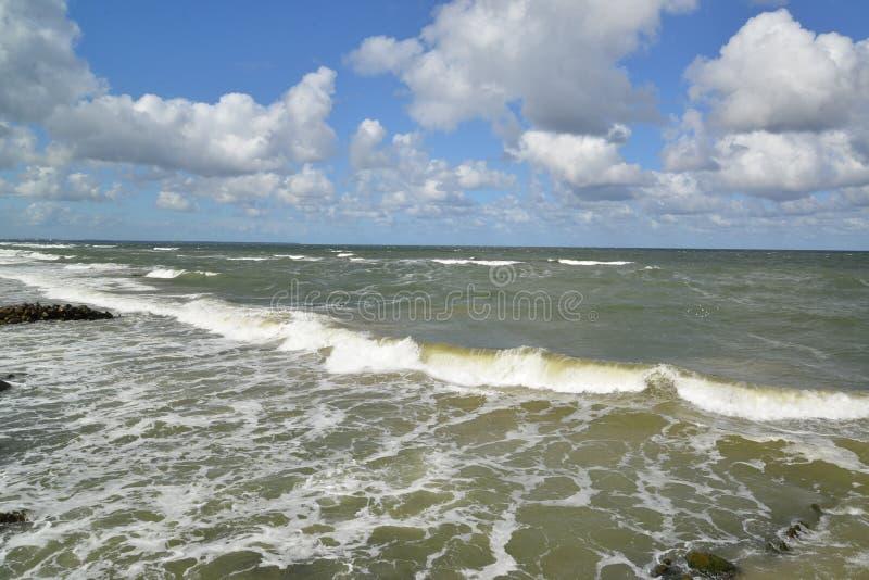 Storing in de Oostzee, Rusland stock foto's