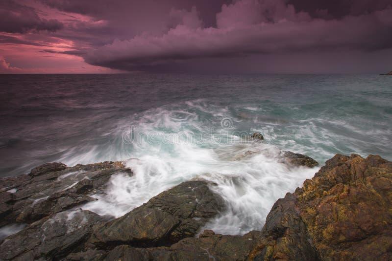 Download Storm image stock. Image du ciel, storm, océan, sunset - 45357777