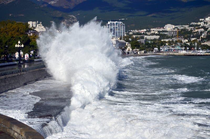 Storm i Yalta royaltyfria foton