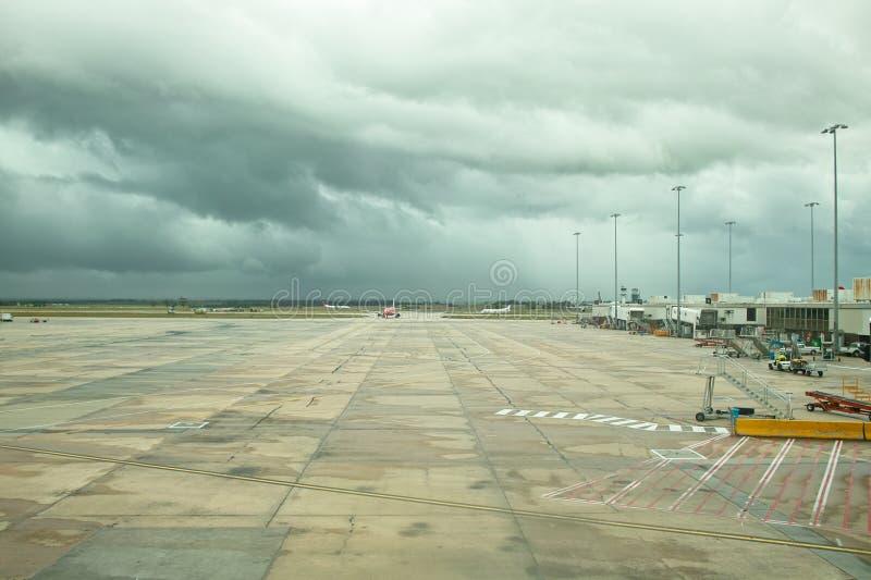 Stormachtig de luchthavenvliegveld van Melbourne royalty-vrije stock afbeeldingen