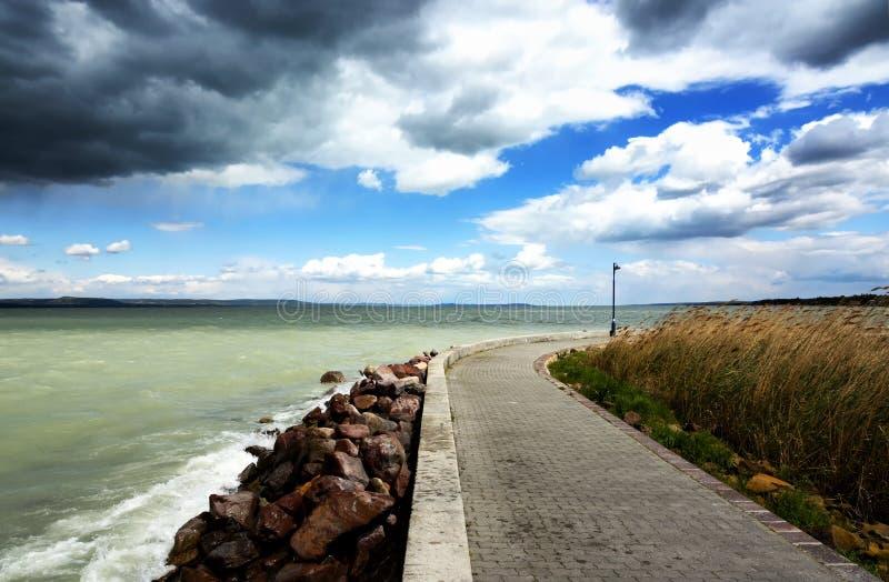 Stormachtig weer bij Meer Balaton, Hongarije royalty-vrije stock afbeelding