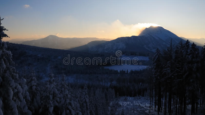 Stormachtige bergen no.4 royalty-vrije stock foto
