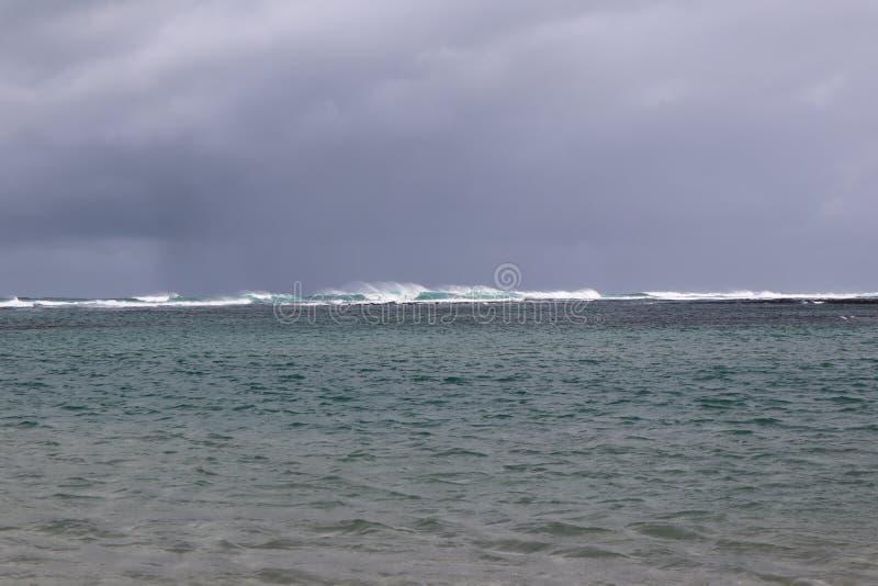 Stormachtige Oceaan met Golven royalty-vrije stock fotografie