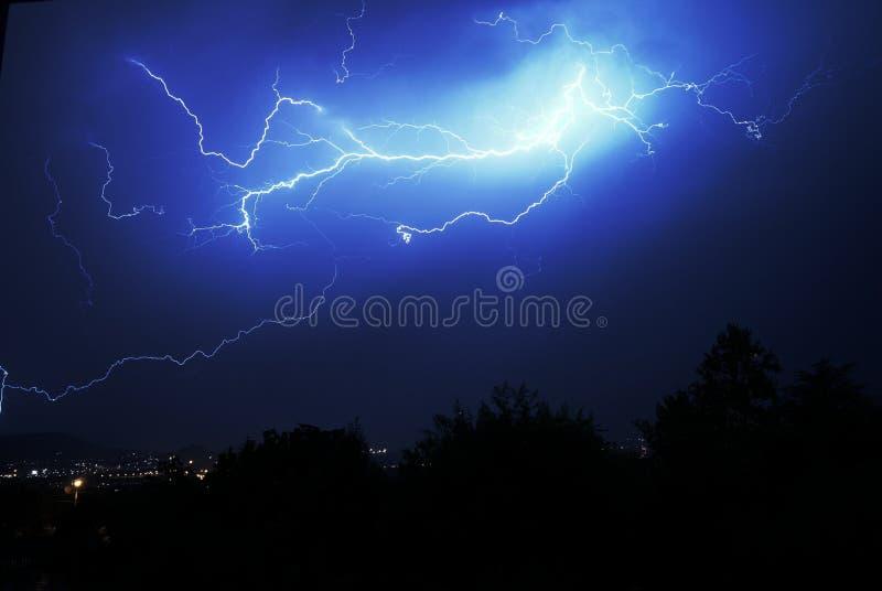 Stormig natt royaltyfri foto