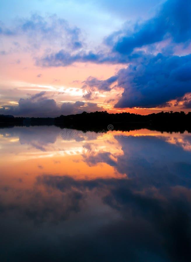 stormig solnedgång royaltyfri bild
