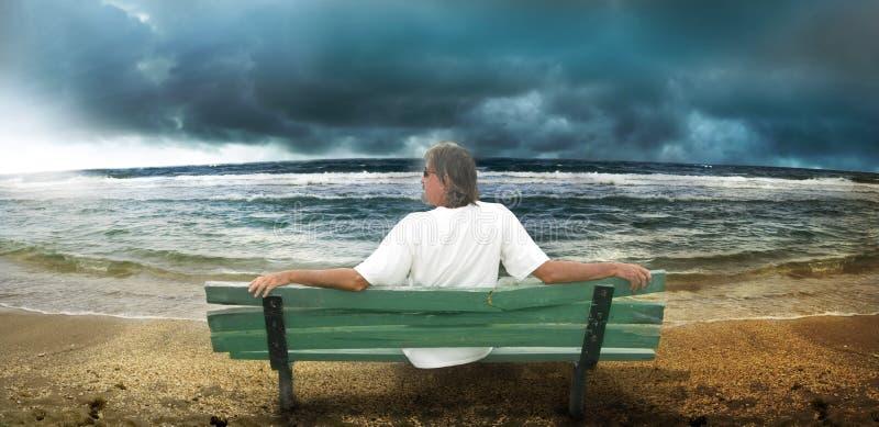 stormig strand arkivfoton