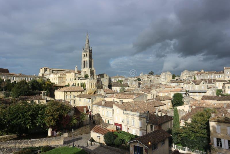Stormigt väder i St Emilion, Frankrike arkivfoton