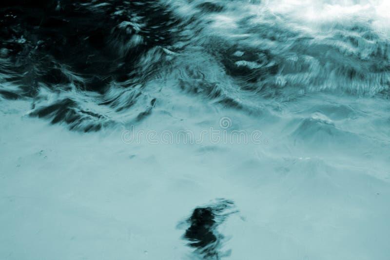 stormigt vatten royaltyfria foton