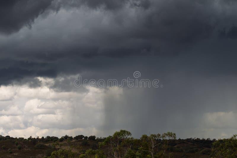 Stormmoln i Ayamonte, Spanien royaltyfria bilder