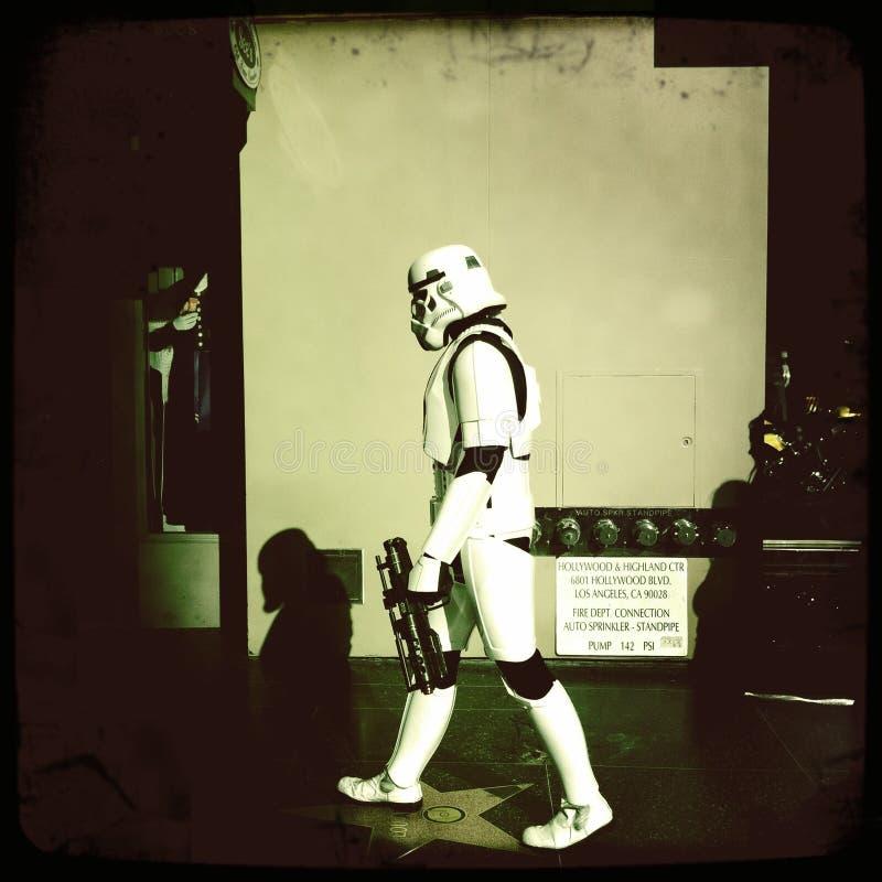 Stormtrooper na spacerze sława fotografia royalty free