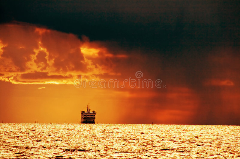 Download Stormy sea stock photo. Image of evening, rainstorm, cruise - 3181516