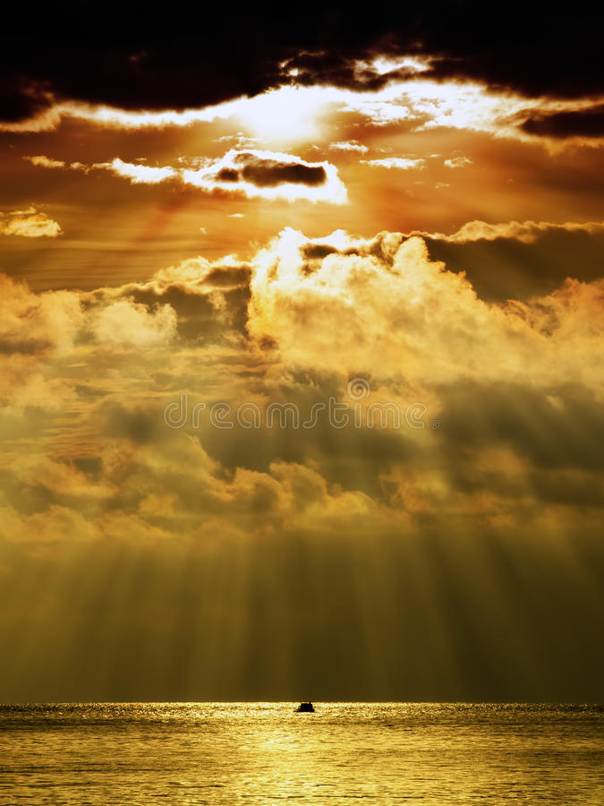 Free Stormy Sunset Royalty Free Stock Images - 24466499