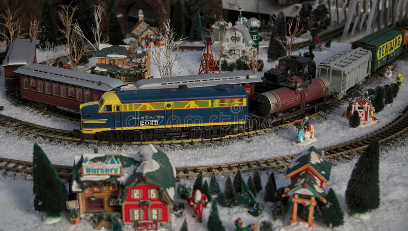 Storskalig modell Railroad Train Garden royaltyfri bild