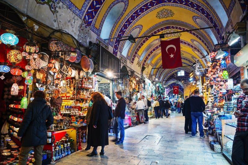 Storslagen basar i den Istanbul inre royaltyfri fotografi
