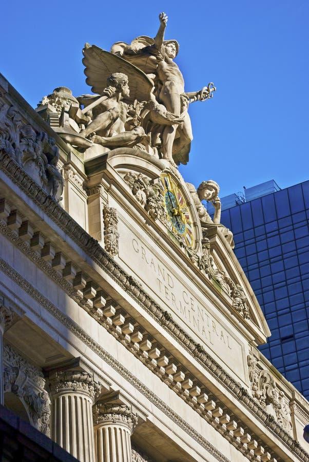 Storslagen central skulptur arkivbild