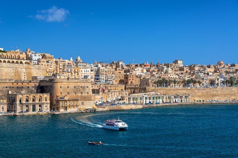 Storslagen hamn i Valletta royaltyfria bilder