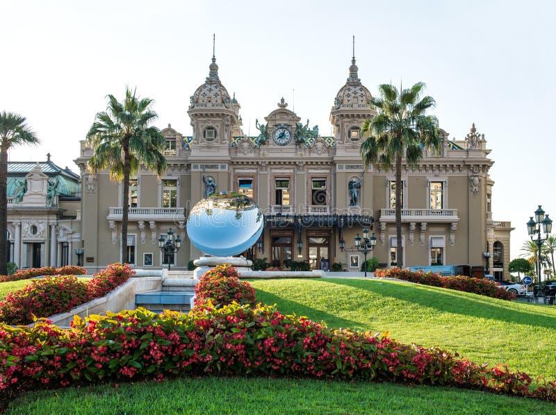 Storslagen kasino i Monte - carlo, gränsmärke av Monaco fotografering för bildbyråer