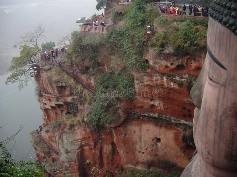 storslagen leshan trappa för buddha cliffside royaltyfri fotografi