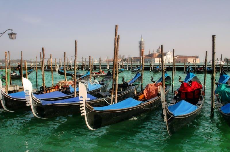 storslagen maggiore san för kanalgiorgio gondoler royaltyfri foto