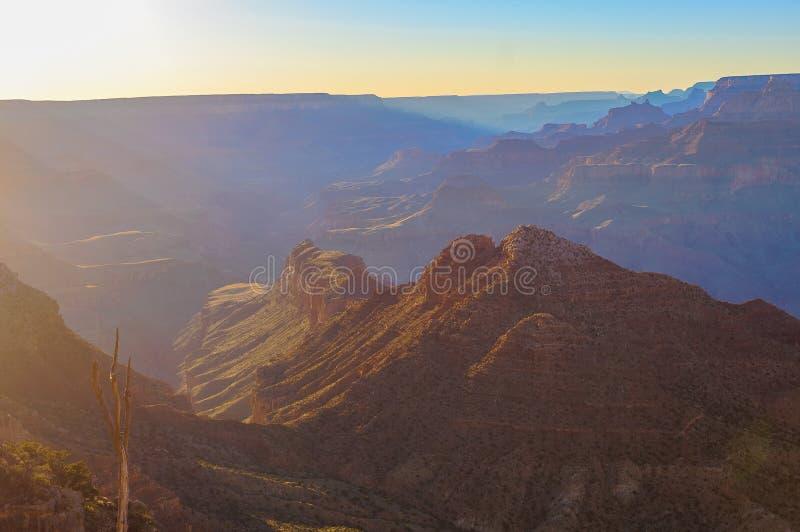 storslagen majestätisk utsikt för kanjonskymning fotografering för bildbyråer