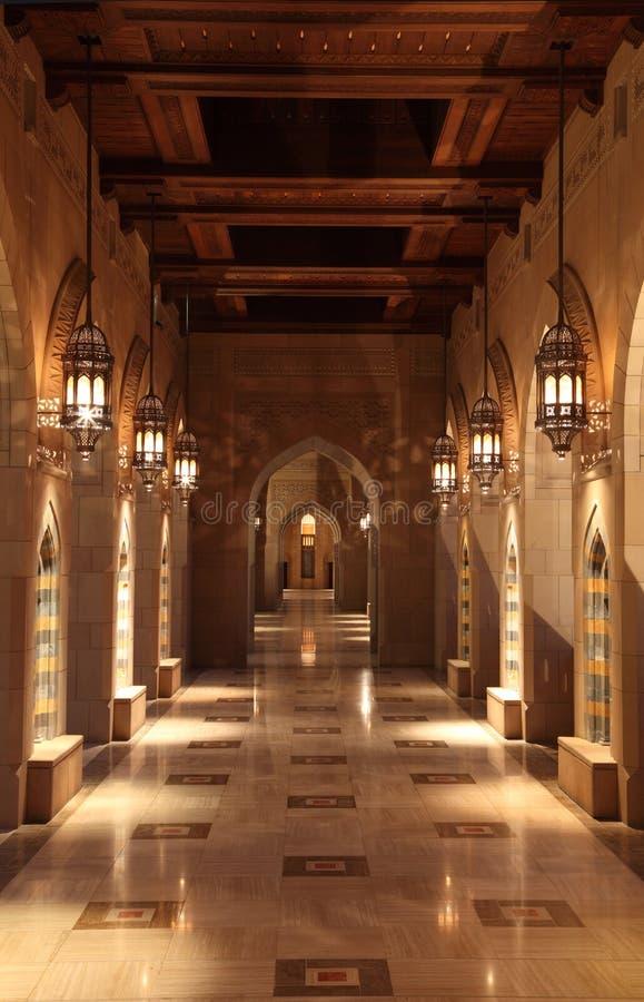 Storslagen moské i muscaten, Oman arkivbild